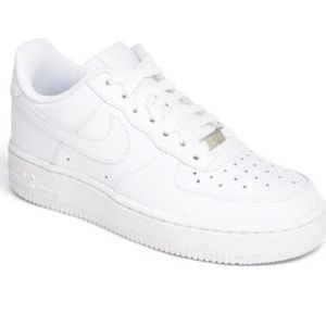 Nike Air Force 1 white sneaker size 5Y
